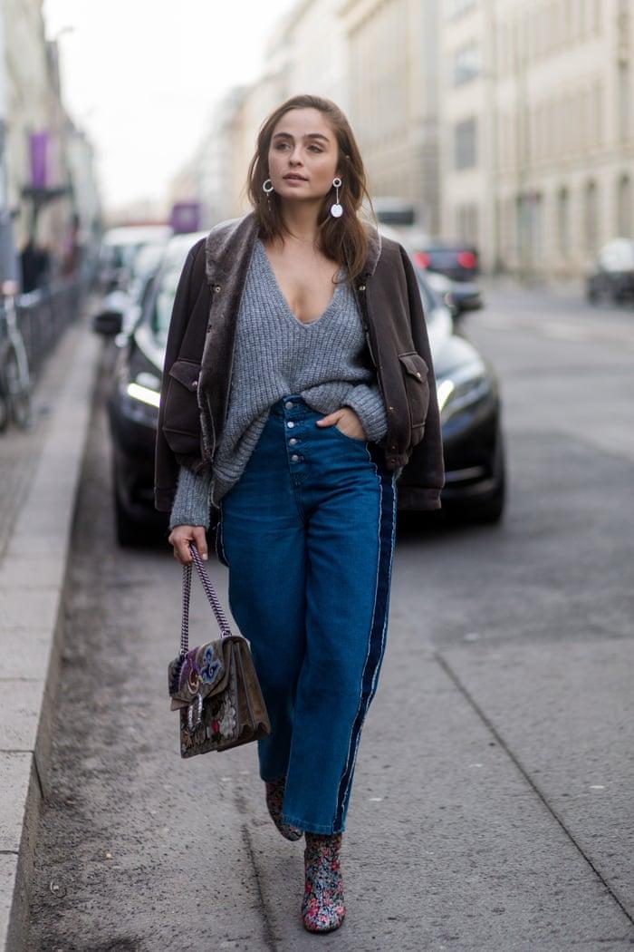 How to Tuck Shirt Like a Street Style Pro