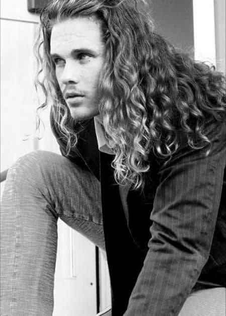 Layered Long Curls hairstyle thefashionfantasy