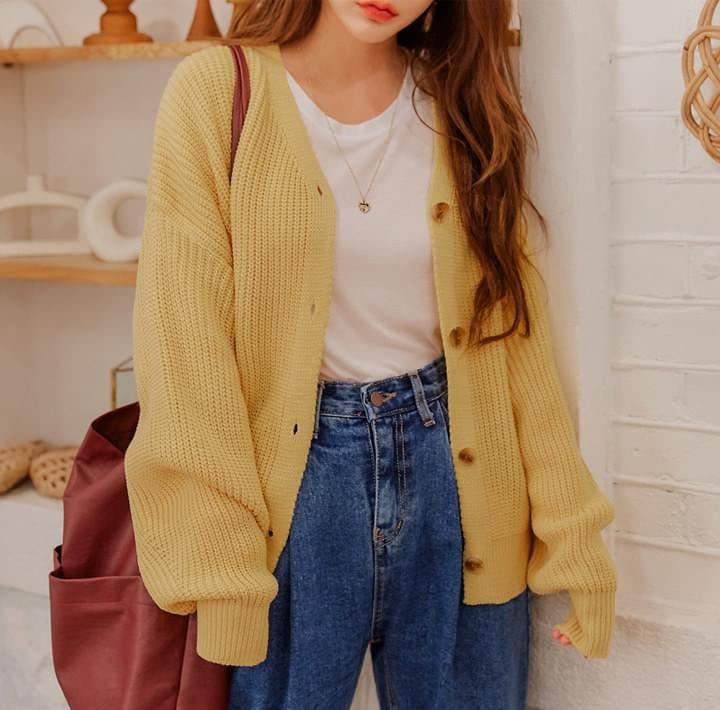 Oversized-Sleeves-Korean street fashion