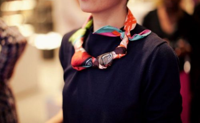The Knotted Necklace Way to wear scarf