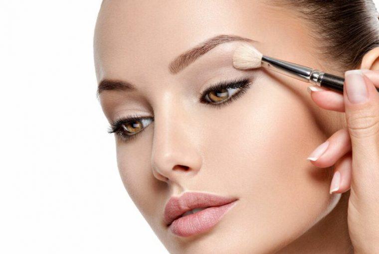 apply eyeshadow like a pro
